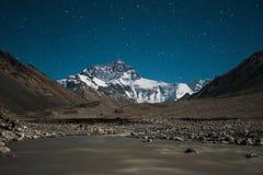 Stella sopra l'Everest Fotografia Stock Libera da Diritti