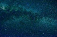 Stelle e fondo dell'universo di notte del cielo dello spazio cosmico della galassia fotografie stock libere da diritti