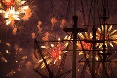 Stellen Scharlachrot Segel-während des weiße Nachtfestivals dar Lizenzfreies Stockfoto
