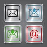 Stellen Sie APP-Ikonen, metallische E-Mail, Umschlagknöpfe ein. Lizenzfreie Stockfotografie