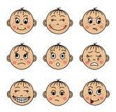 Stellen Sie die Gesichter der Kinder mit verschiedenen Gefühlen ein Stockbilder