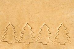 Stellen Sie die Teigschnitt Weihnachtszahlen bereit Lizenzfreie Stockfotografie