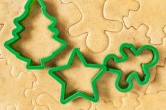 Stellen Sie die Teigschnitt Weihnachtszahlen bereit Lizenzfreie Stockbilder