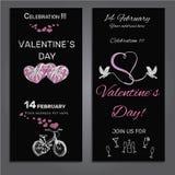 Stellen Sie Einladung für Valentinsgrußtag auf Kreidebrett ein Lizenzfreies Stockfoto