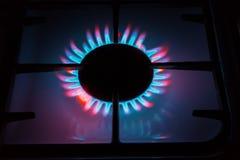 Stellen Sie etwas wie das brennende Gas dar, das von den Gasbrennern kommt Mehrfarbige Flamme Lizenzfreies Stockbild
