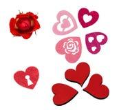 Stellen Sie für das Scrapbooking für Valentinsgruß ` s Tag, die Herzen ein, die vom Filz, Holz gemacht werden und stieg Lizenzfreies Stockbild