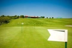 Stellen Sie für das Spielen des Golfs auf Lizenzfreies Stockbild