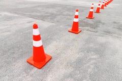 Stellen Sie Farbenkegel für Einschließungsstraße ein Stockbild