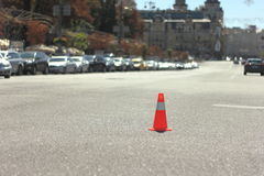 Stellen Sie Farbenkegel für Einschließungsstraße ein Stockfotos