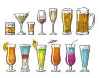 Stellen Sie Glasbierwhiskywein Tequilakognak-Champagnercocktails ein Weinlesevektor-Stichillustration für Netz, Plakat Lizenzfreie Stockfotografie