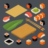 Stellen Sie Ikone Sushinigiri und -rollen ein Gedient mit Bambusmatte, Essstäbchen, Wasabi, Sojasoße und Holzplatte Stockfotografie