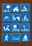 Stellen Sie Ikonen von Schutz, Park, Fahrrad, Stierkampf, Tauchen, das Lagerfeuer ein und surfen Ikonen in der blauen Farbe auf h Stockfotografie