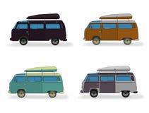 Stellen Sie Kleinbusvektorillustration auf Weiß ein Bunte Reisebussammlung Surfende Retro- Busse in unterschiedlichem Stockbilder