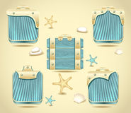 Stellen Sie Knöpfe ein oder gestaltet Formholz und -golddecoratio Lizenzfreies Stockfoto