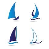 Stellen Sie Logosegelboot oder -navigation ein Lizenzfreie Stockbilder