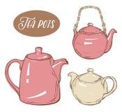 Stellen Sie mit drei verschiedenen Teekannen, lokalisierte Elemente auf weißem Hintergrund ein Stockfotografie