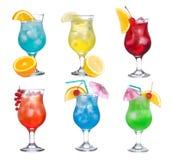 Stellen Sie mit verschiedenen Cocktails ein Stockbild