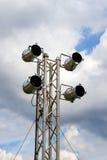 STELLEN Sie Scheinwerfer auf einem Beleuchtungssystem für das Stadium gleich Lizenzfreies Stockfoto