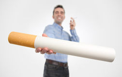 Stellen Sie sich eine Zigarette vor? Lizenzfreie Stockfotos