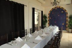 Stellen Sie Tabelle im Esszimmer, in der historischen Casa Marina Hotel und im Restaurant, Jacksonville, Florida, 2015 ein stockfotos