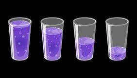 Stellen Sie von den Gläsern mit frischem funkelndem Saft ein Voll und leer stock abbildung