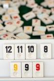 Stellen Sie von den St?cken eines Tischplattenspiels nannte Okey gespielt dachte die T?rkei ein stockbilder