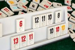 Stellen Sie von den St?cken eines Tischplattenspiels nannte Okey gespielt dachte die T?rkei ein lizenzfreies stockbild