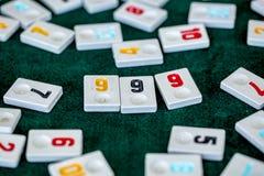 Stellen Sie von den St?cken eines Tischplattenspiels nannte Okey gespielt dachte die T?rkei ein stockfoto