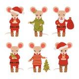 Stellen Sie von den Weihnachtsmäusen ein, die auf weißem Hintergrund lokalisiert werden Bunte grafische Abbildung f?r Kinder Auch lizenzfreie abbildung