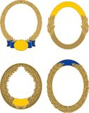 Stellen Sie von vier goldenen ovalen Lorbeer- und Eichengrenzen ein lizenzfreie abbildung