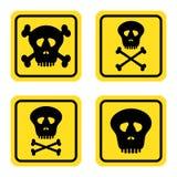 Stellen Sie warnende gelbe Zeichen mit schwarzer Konturngefahr auf menschliche Schädel und menschlichen die Knochen ein, die auf  stock abbildung