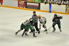 Stellen Sie weg im Eis-Hockey-Spiel gegenüber Lizenzfreies Stockbild
