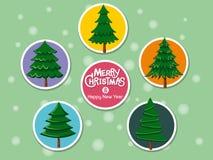 Stellen Sie Weihnachtsbaumikone auf Farbhintergrund ein Frohe Weihnachten und stockfotografie