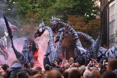 stelten op förhistoriskt för deventerfestivalmonster Royaltyfri Foto