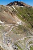 Stelvio Pass - beroemde kronkelige weg in de Alpen van Tirol Royalty-vrije Stock Afbeelding