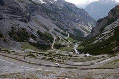 Stelvio przepustka, przełęcz w północnym Włochy przy elevati, Obrazy Stock
