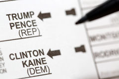 Stemmend voor de Belangrijke V.S. Presidentiële Kandidaten op Stemming royalty-vrije stock foto