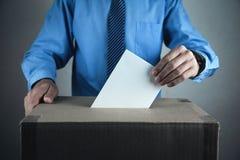 Stemming bij de Stembus Verkiezing en democratieconcept royalty-vrije stock afbeelding