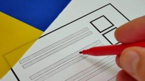 Stemmingsdocument stemming in de Oekraïne stock video