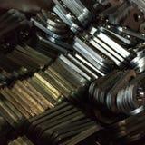 Stemplujący talerze powikłany kształt, robić stal na CNC maszynach, obraz royalty free