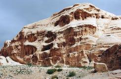 sten för 6 skulpturer för fragmentjordan petra Arkivfoto