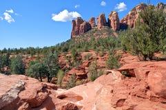 sten för sedona för arizona liggande röd scenisk Arkivbilder