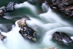 Sten i floden Royaltyfri Fotografi