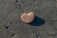 Sten i form av hjärta Fotografering för Bildbyråer