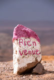 Sten med ord Royaltyfri Bild
