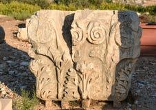 Sten med snidit på den huvudsakliga gatan i den forntida Lycian staden Patara kalkon Royaltyfri Foto