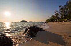 Sten och hav Arkivbild