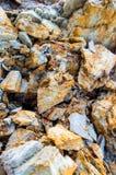 Sten och jord på jord för stenigt berg Fotografering för Bildbyråer