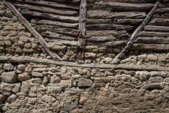 Sten- och träväggbakgrund Royaltyfria Foton