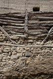 Sten- och träväggbakgrund Royaltyfri Bild